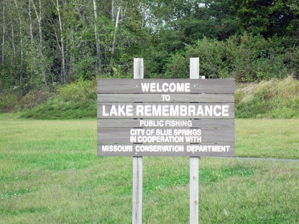Lake Remembrance welcome sign