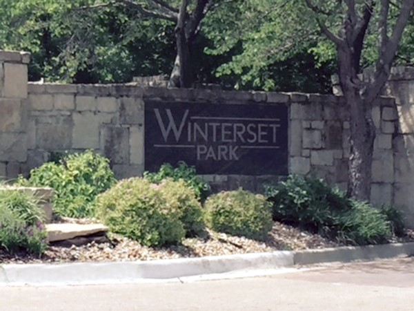 Winterset Park, a gorgeous and well-maintained neighborhood in Lee's Summit