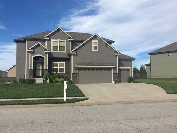 Beautiful 2 story home in Copper Ridge