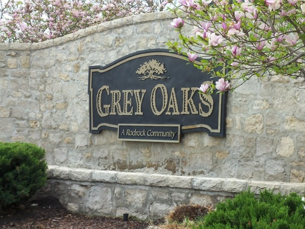 Grey Oaks entrance