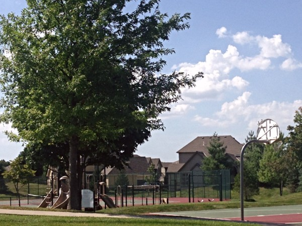Basketball, tennis and playground at Wilshire Farms commons area