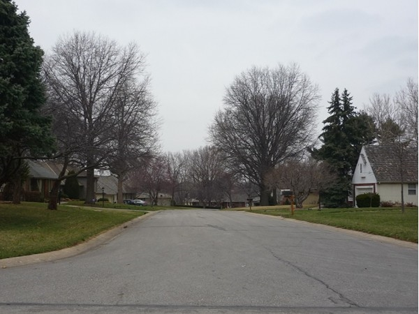 Northwest Fairway Circle from northwest Locust Drive