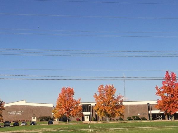Robert L. Henley Aquatic Center