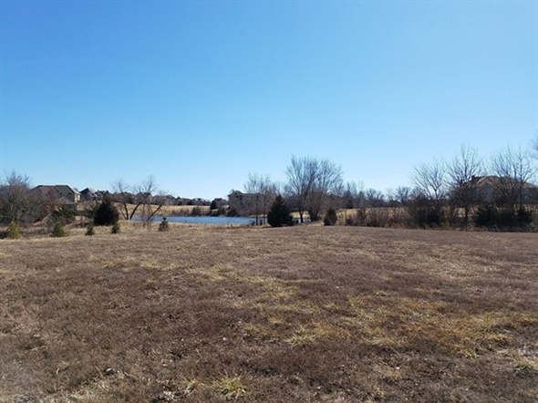 One of the lots available at Prairiefire Villas at Lionsgate in Overland Park