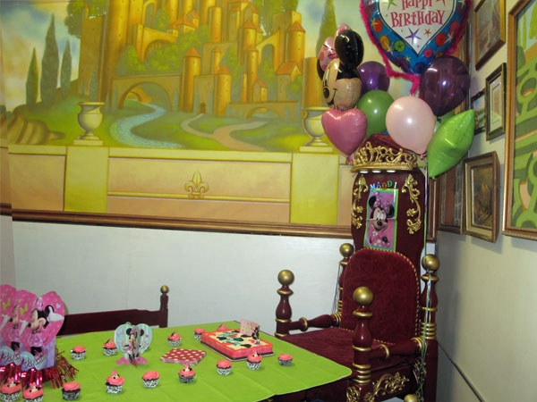 Paul Mesner Puppet Theater - Birthday Celebration Room