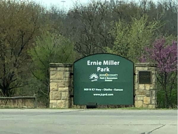 Ernie Miller Park is located close to Allegra Estates