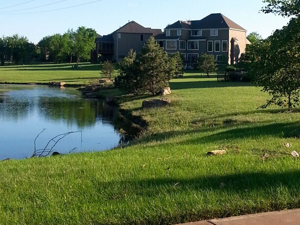 Colton Lakes: Large lots, newer homes, lakefront living!
