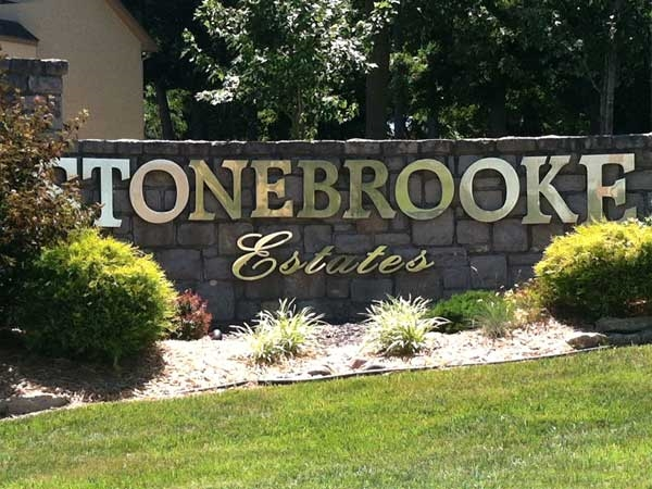 Entrance to Stonebrooke Estates