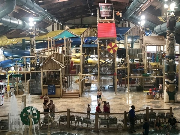 It's always 84 degrees at Great Wolf Lodge ~ KCK