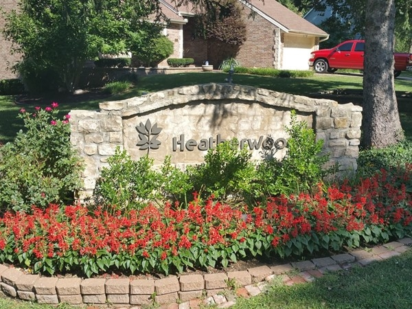 Heatherwood sign at the entrance, welcoming you to this beautiful neighborhood