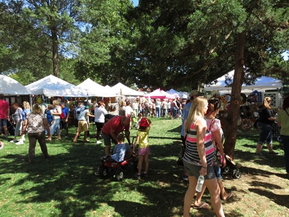 Craft booths at the Overland Park Fall Festival