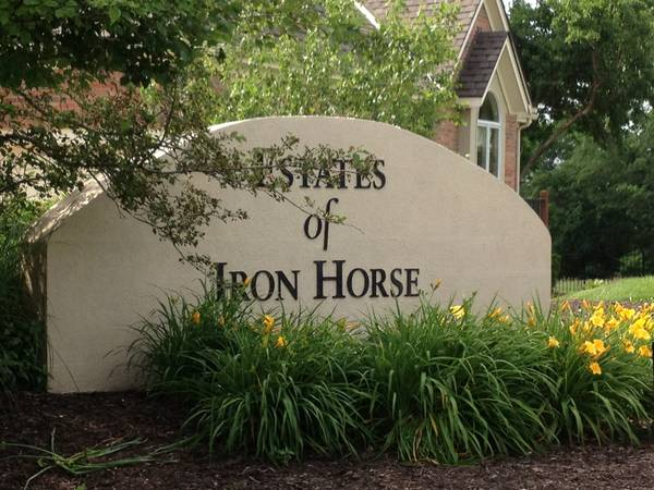 Estates of Ironhorse, entrance from Ironhorse Golf Club
