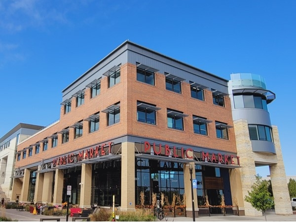Lenexa City Center is a great place to relax, grab some food, and eat on the outdoor patio