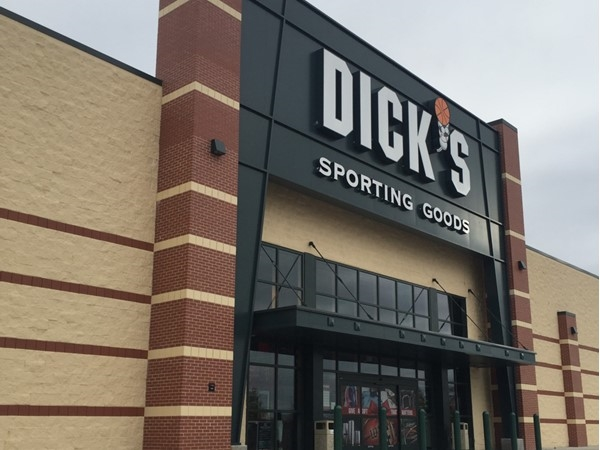 Dick's Sporting Goods is now located in the Independence Center