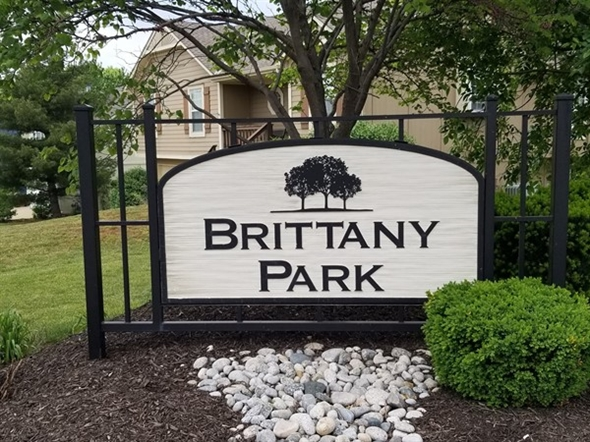 Brittany Park Subdivision monument on Metcalf