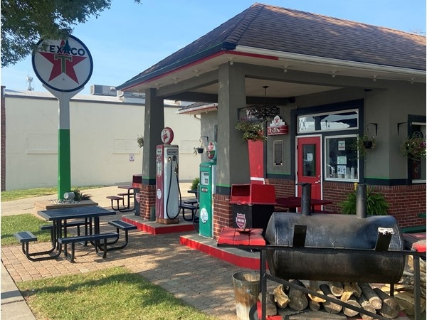 The Filling Station BBQ is a great place in Downtown Lee's Summit for great BBQ