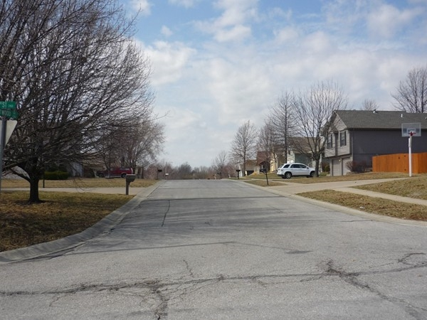Northeast Eastwood Drive from Northeast 3rd Street in Stonebridge