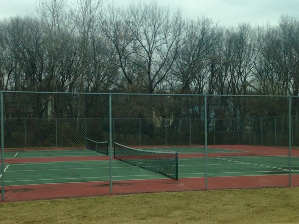 Tennis courts in Claywoods
