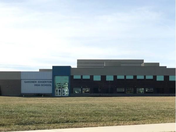 Gardner Edgerton High School is nearby Prairie Crossing