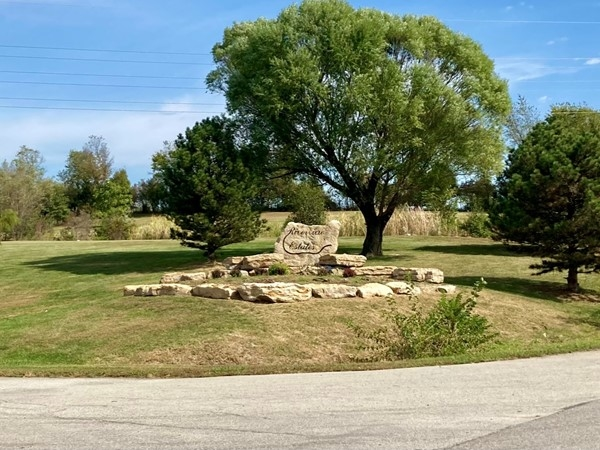 Beautiful entry to the Riverview Estates Subdivision in Kearney