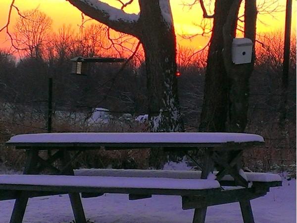 Snowfall at sunset in Liberty