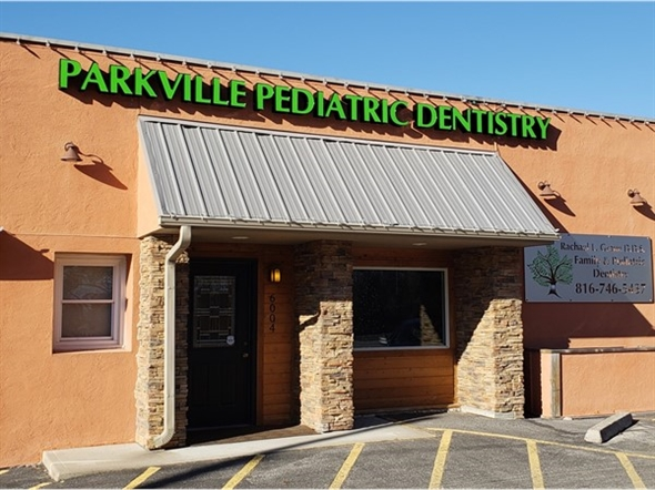 This Pediatric Dentist is right on Highway 9.  Very convenient