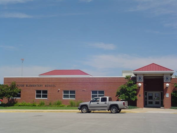 Summit Lakes Middle School