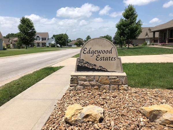 Great homes, spacious lots ... wonderful neighborhood