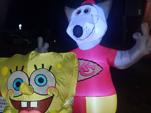 Sponge Bob came by our KC Chiefs tailgate at the GV Trail or Treat