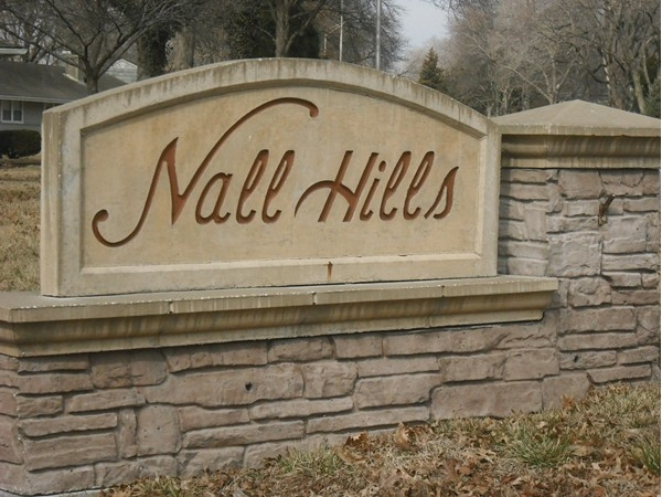 Nall Hills Subdivision entry marker
