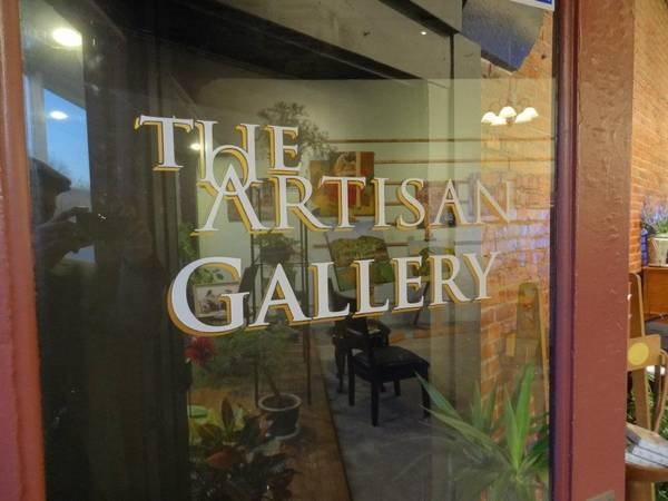 So Many Amazing Shops Downtown! The Artisan Gallery Is Such A Fun Place To Go With Friends!