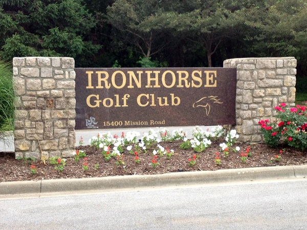 Ironhorse Golf Club:Mission Road Entrance