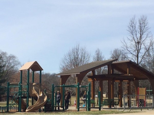 Beautiful spring day at Porter park in Prairie Village, Tomahawk Road & Roe Avenue