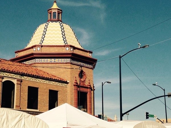 A beautiful day at the Plaza Art Fair