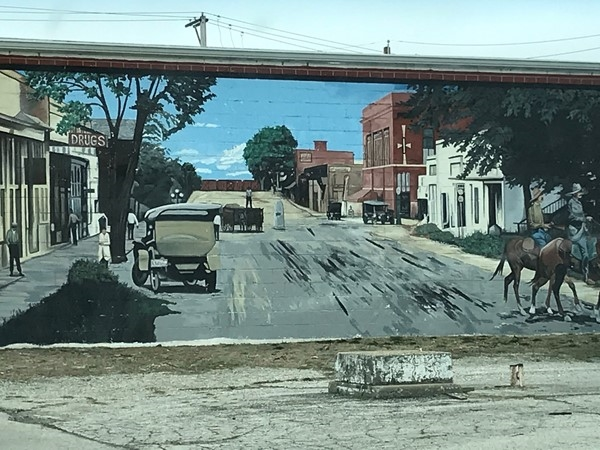 Nostalgic mural painted wall in Downtown Kearney