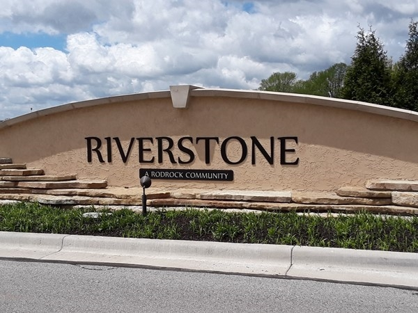Riverstone Community in Overland Park