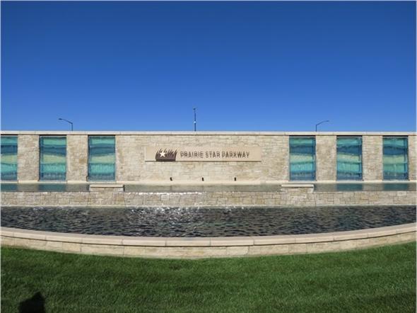 Prairie Star Parkway Sign