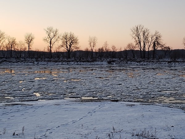 A wintry morning on the Missouri River