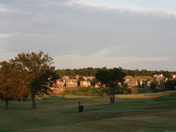 Dubs Dread: Magnificent golf course, nestled between several beautiful home communities in Piper.