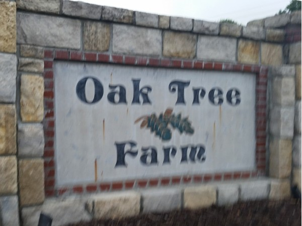 Entrance to Oak Tee Farm