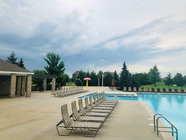 Forest View community pool and fun splash pad area