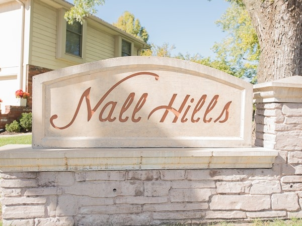 Overland Park's Nall Hills neighborhood monument