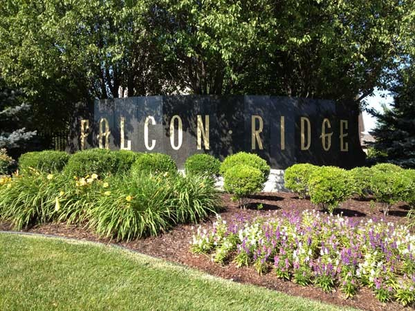 Entrance to Falcon Ridge in Lenexa