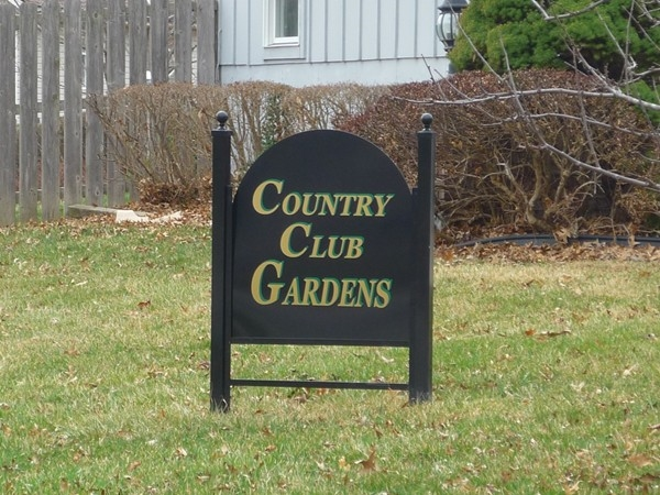 The sign at one of the entrances to Country Club Gardens