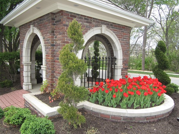 Tremont Manor gatehouse with Tulips for spring