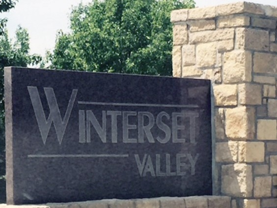 Entrance to Winterset Valley in Lee's Summit