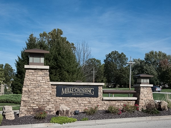 Mills Crossing Estates entry monument