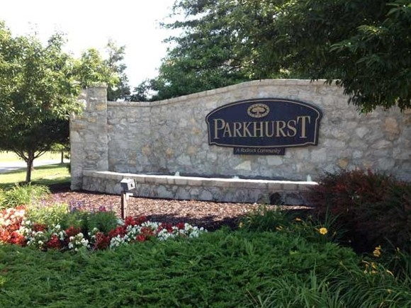 Entrance to Parkhurst subdivision in Lenexa