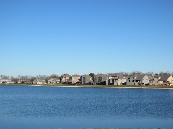 Lakefront homes, Lakeside at Chapman Farms