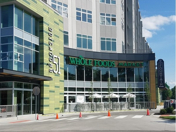 A brand new Whole Foods in the Brookside/South Plaza neighborhood!  Let's eat healthy KC